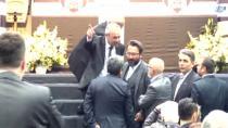 Beşiktaş İdari ve Mali Genel Kurulunda 'İhraç Oylamasında' Gerginlik Yaşandı