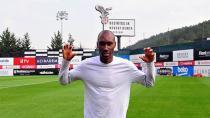 Atiba Hutchinson 2020'ye Kadar Beşiktaş'ta!