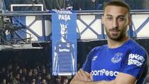 Everton Taraftarından Tosun Paşa Pankartı!